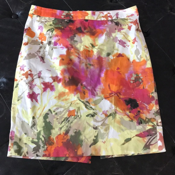 J. Crew Dresses & Skirts - J Crew floral pencil skirt sz 8